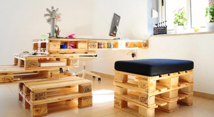 Мебельный комплект из паллет прослужит долго.