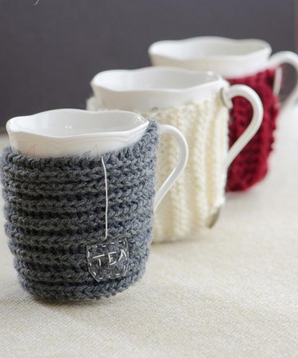 1. Оденьте чашки в тёплые «свитера».