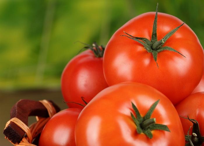 Микроволновка поможет в очистке фруктов.