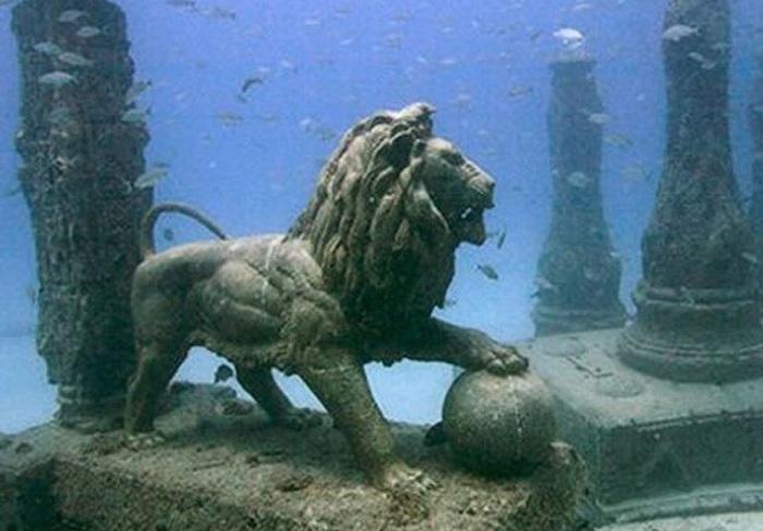 Статуя льва из Дворца Клеопатры.   Фото: allpravda.info.