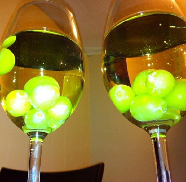 замороженный виноград для охлаждения напитков