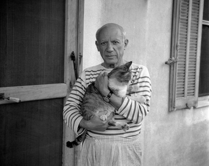 Пабло Пикассо - испанский художник, скульптор, основоположник кубизма.   Фото: cs543108.vk.me.