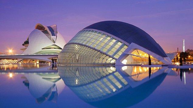Город искусств и наук — архитектурный комплекс из пяти сооружений, Валенсия, Испания