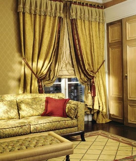 Золотые шторы в интерьере фото