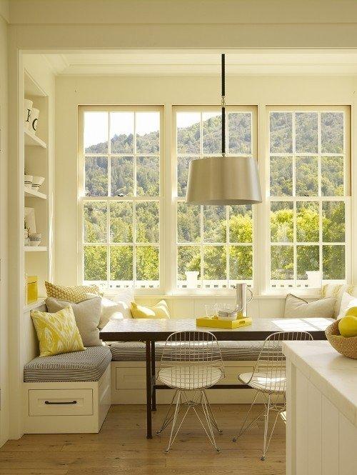 Разнообразьте интерьер столовой с помощью диванчика