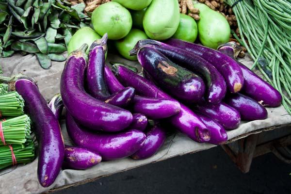 фиолетовые баклажаны