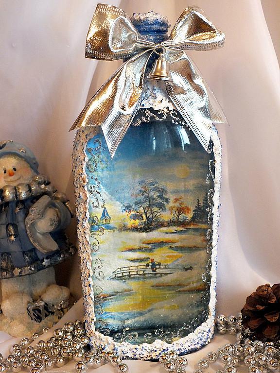 Обратный декупаж бутылки смотрится очень оригинально