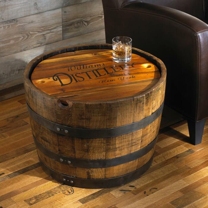 Самый простой вариант столика из бочки. /Фото: i8.amplience.net