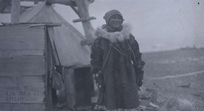 Ада Блэкджек на острове Врангеля.