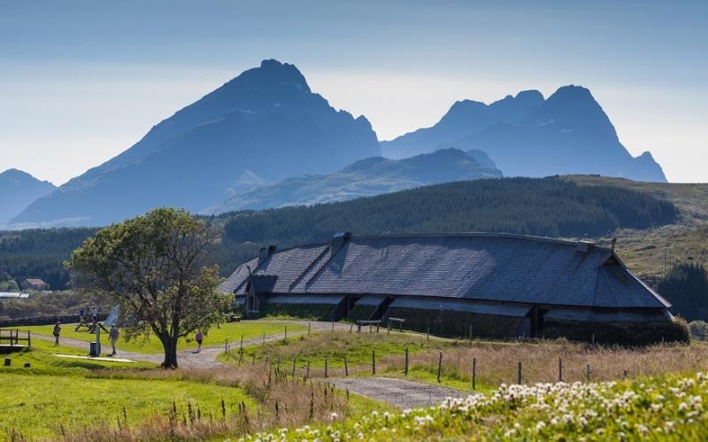 артистка эстрады, музей викингов лофотр фото двух величайших