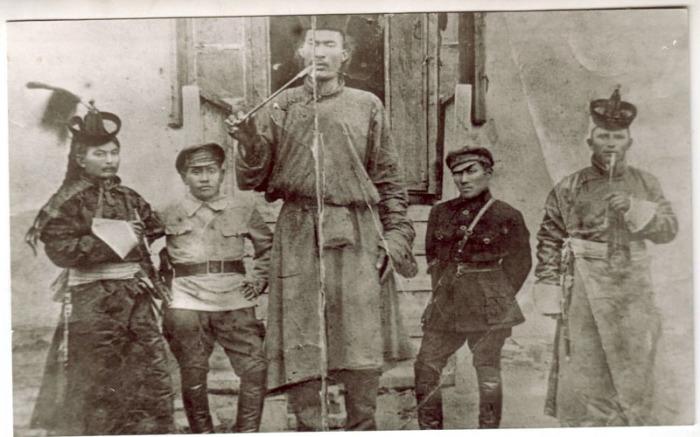 Блюмкин и тибетцы. /Фото: legal.report