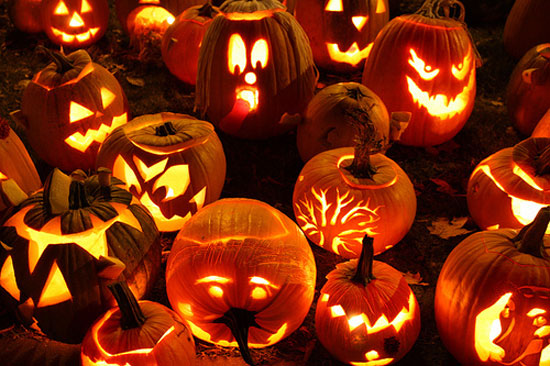 Как украсить дом тыквами к Хэллоуину