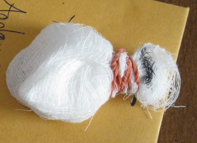 Процесс «полоскания» заключается в помещении семян в мешочек из марли