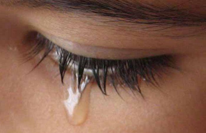 Слезы - это снятие стресса.