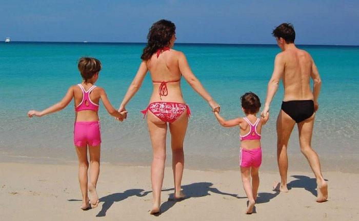 Отдых на море с семьей