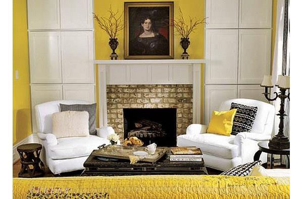 Жёлтая гостиная с камином