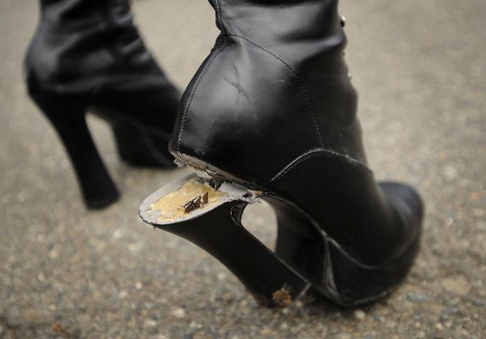 Если вы не починили сломанный каблук сразу, значит сапоги вам не нужны. / Фото: fb.ru