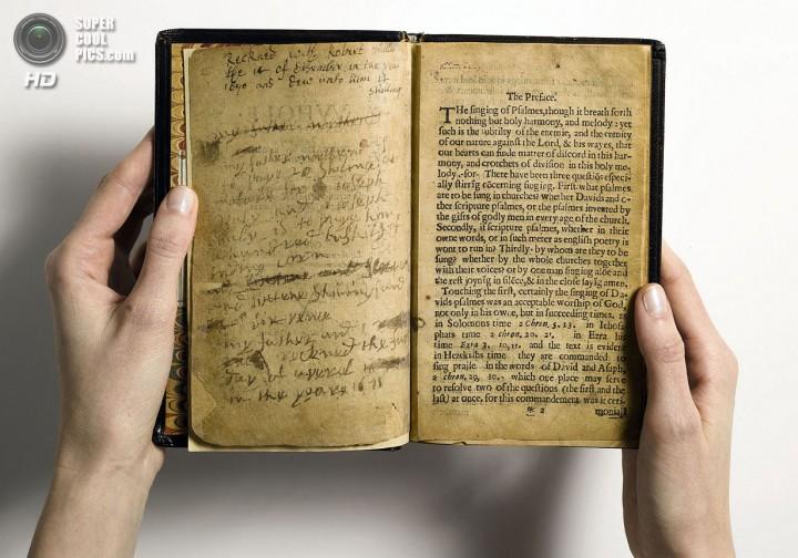 «Массачусетская книга псалмов». (AP Photo/Sotheby's, File)