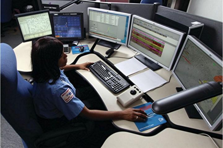 Диспетчер американской службы 911 рассказал о своей работе 911, работа, диспетчер