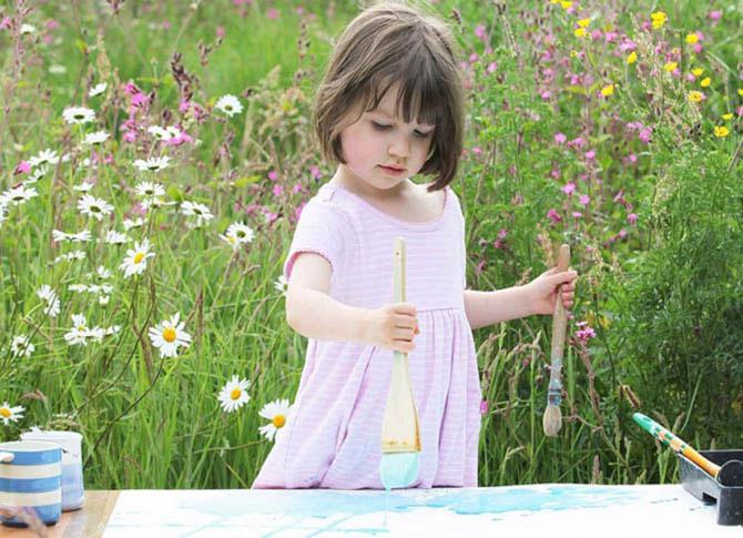 5-летняя девочка, страдающая аутизмом, рисует невероятные картины