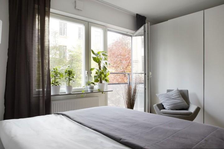 Спальня в спокойных монохромных тонах