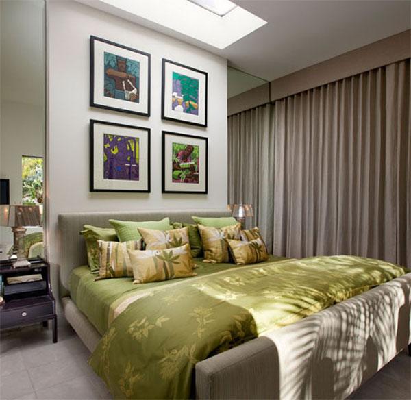 Маленькая спальня с зеркалами