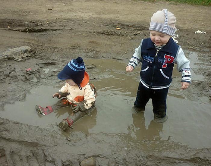 По статистике, дети до 7-ми лет на 70 процентов поросята.   Фото: ЯПлакалъ.