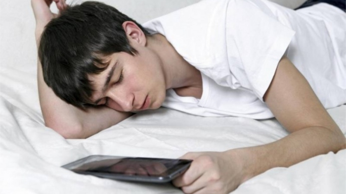 Подросткам нужно высыпаться, а родителям не стоит пилить их за то, что утром не желают вставать! / Фото:grodno24.com