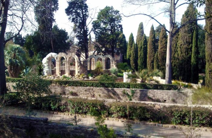 Внутри сада полным-полно удивительных мест. \ Фото: montpellier-france.com.