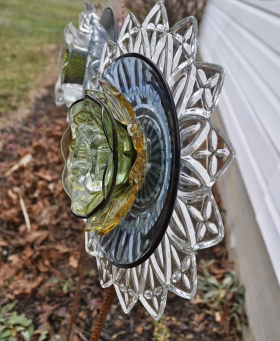 Блестящий декор из стекла.