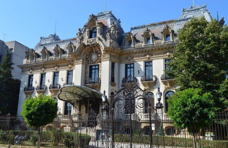dvorec-kantakuzino
