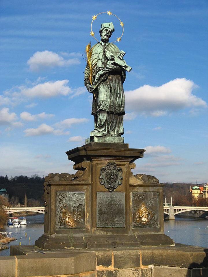 Статуя Яна Непомуцкого на Карловом мосту, Чехия достопримечательности, желания, мир
