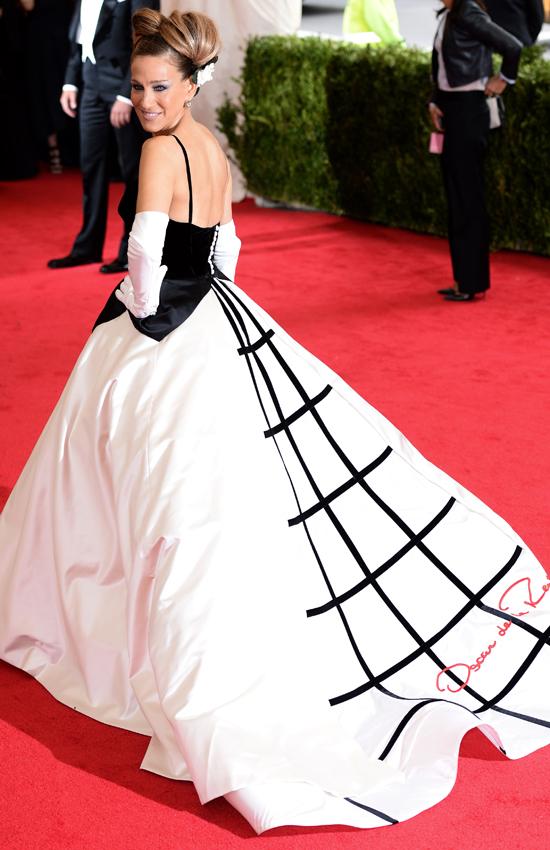 Сара Джессика Паркер в Oscar de la Renta, Бал Института костюма Met Gala