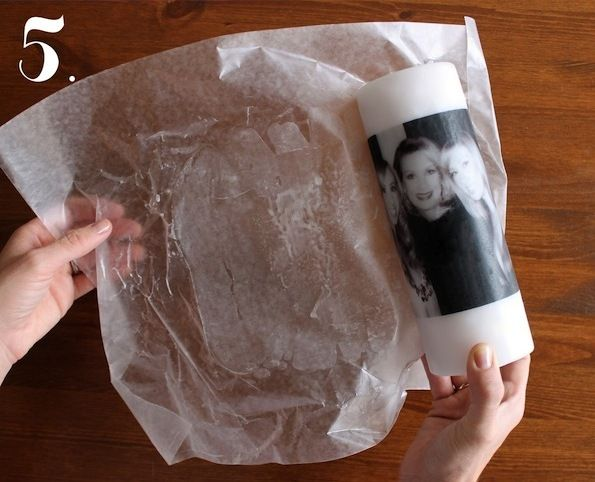 Удалите вощеную бумагу