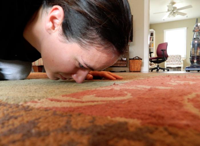 Ковер плохо пахнет - быстрее нужно действовать. /Фото: thrivinghomeblog.com
