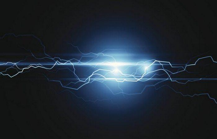 Интенсивная электрическая активность в кольцах Сатурна.