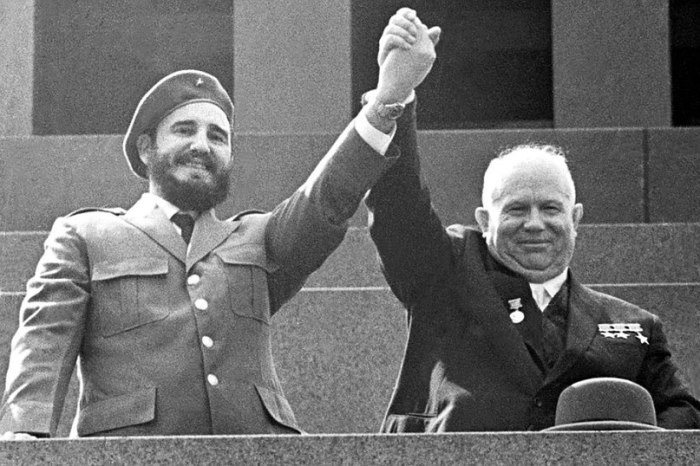 Фидель Кастро смог убедить Хрущёва, что только ядерные боеголовки в силах противостоять американской экспансии на остров. /Фото: sun9-36.userapi.com