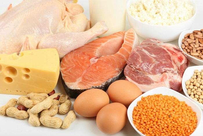 Добавляйте во все блюда белки.