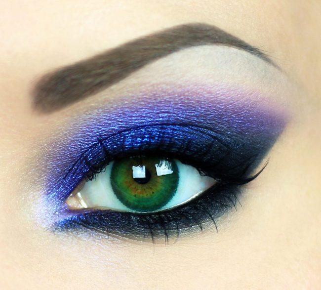 Пошаговое глаз с черными тенями