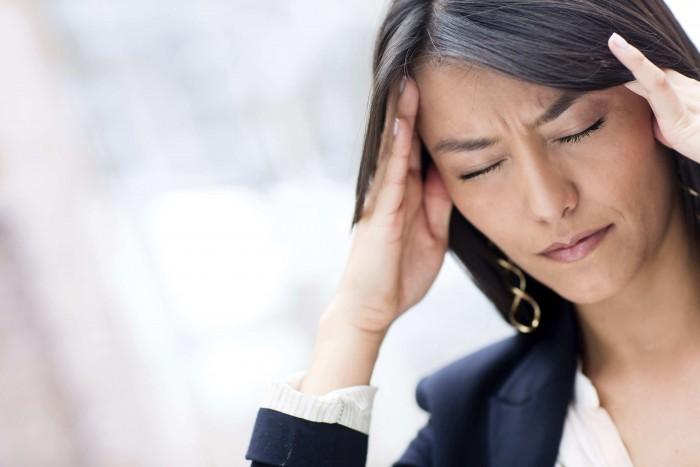 Причины возникновения давящей боли в затылке