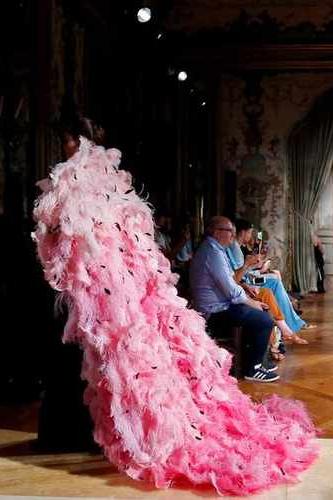 От фуксии до пыльной розы — 9 розовых платьев, которые нас покорили (фото 21.2)