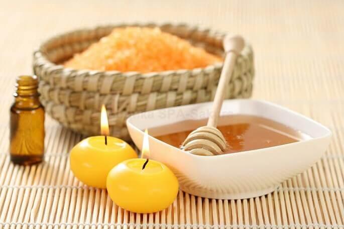 Хорошо влияют на состояние кожи скрабы на основе меда, апельсина и эфирных масел