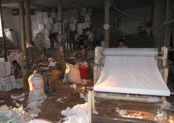 Китайский завод по производству туалетной бумаги (24 фото)
