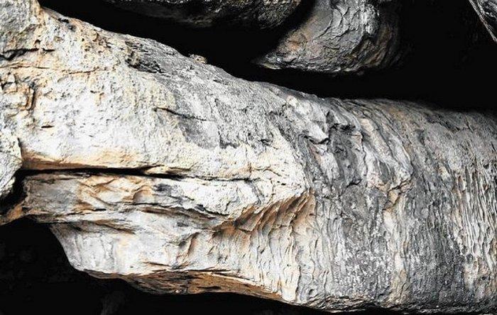 Пещера бога-питона в Ботсване.