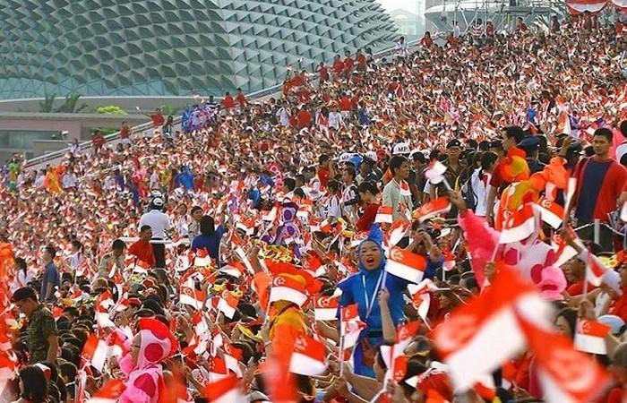 Сингапур является единственным островным городом-государством в мире.