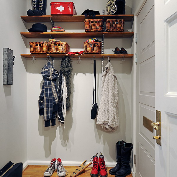 smart-storage-in-small-hallway1-1