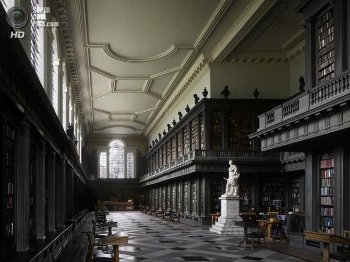Великобритания. Оксфорд, Оксфордшир. Библиотека Кодрингтона при Колледже Всех святых. (Will Pryce)