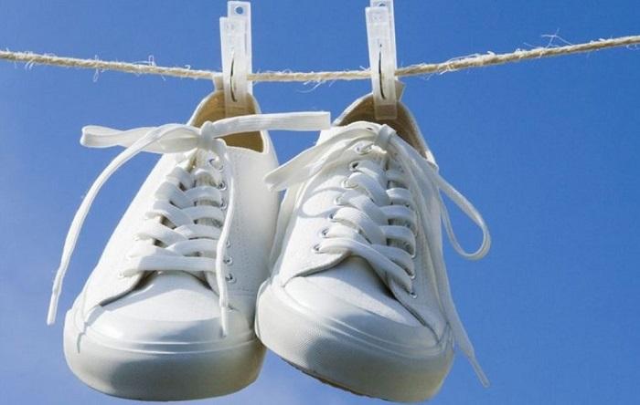 На солнце обувь можно только сушить. / Фото: Obuv.expert
