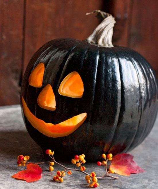 Черная тыква на Хэллоуин