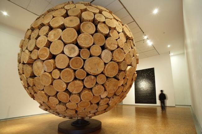 Удивительные скульптуры из дерева